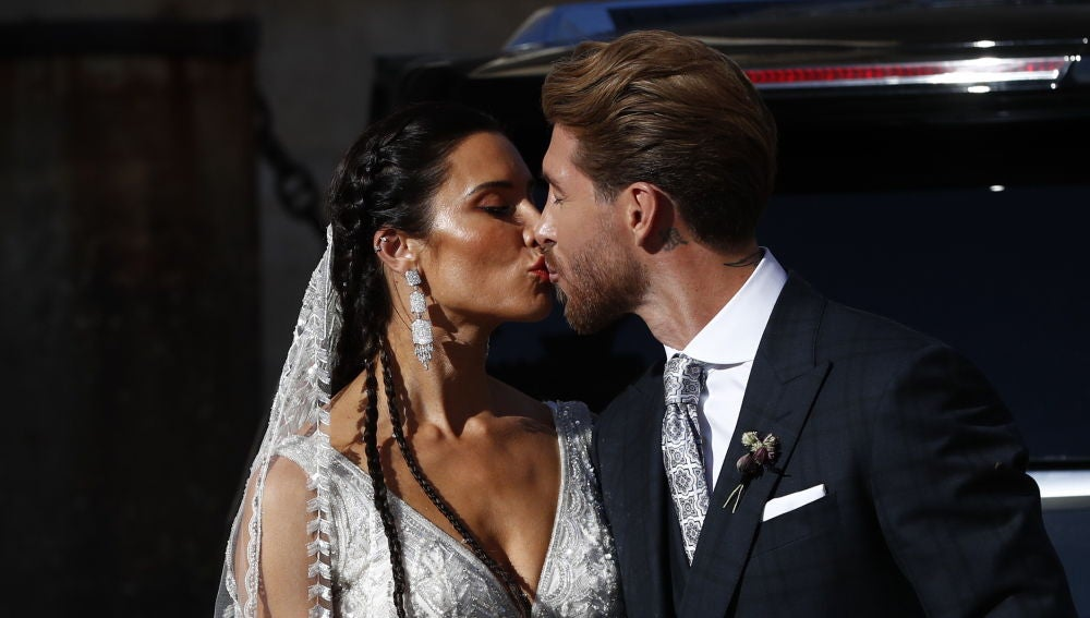 El beso de los recién casados Pilar Rubio y Sergio Ramos