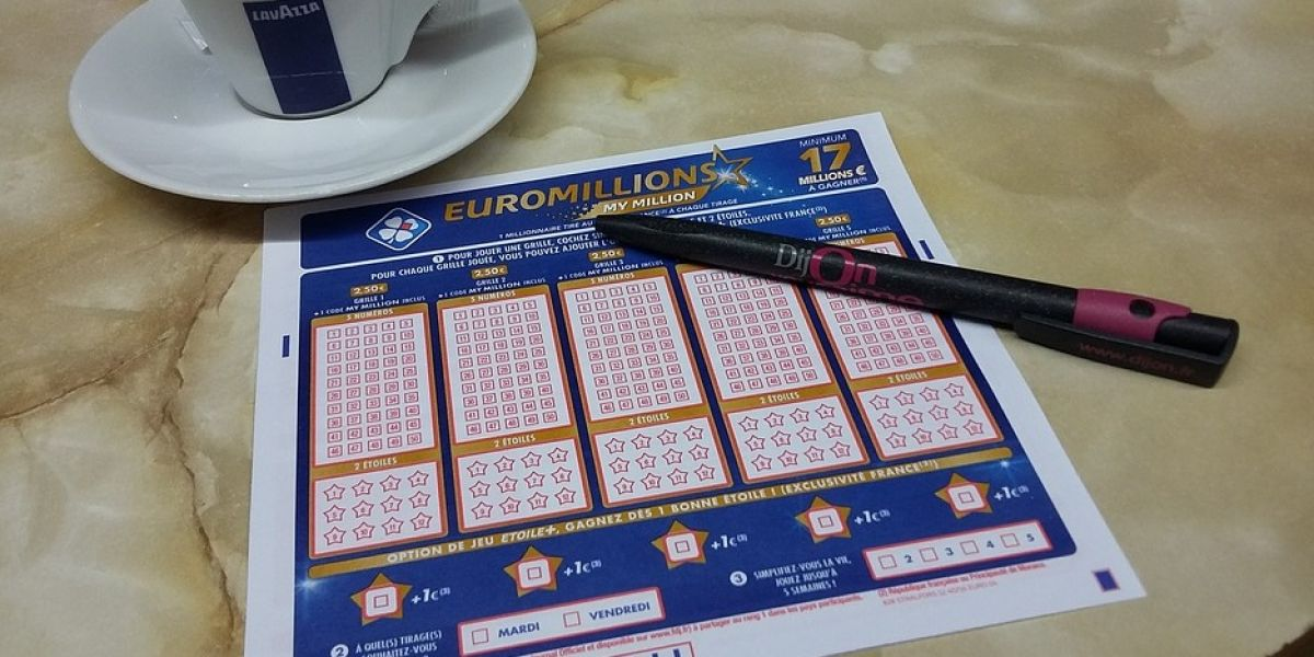 Imagen de archivo de un cartón de Euromillones