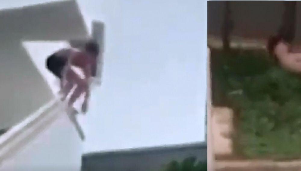 Un joven británico haciendo 'balconing' en Magaluf