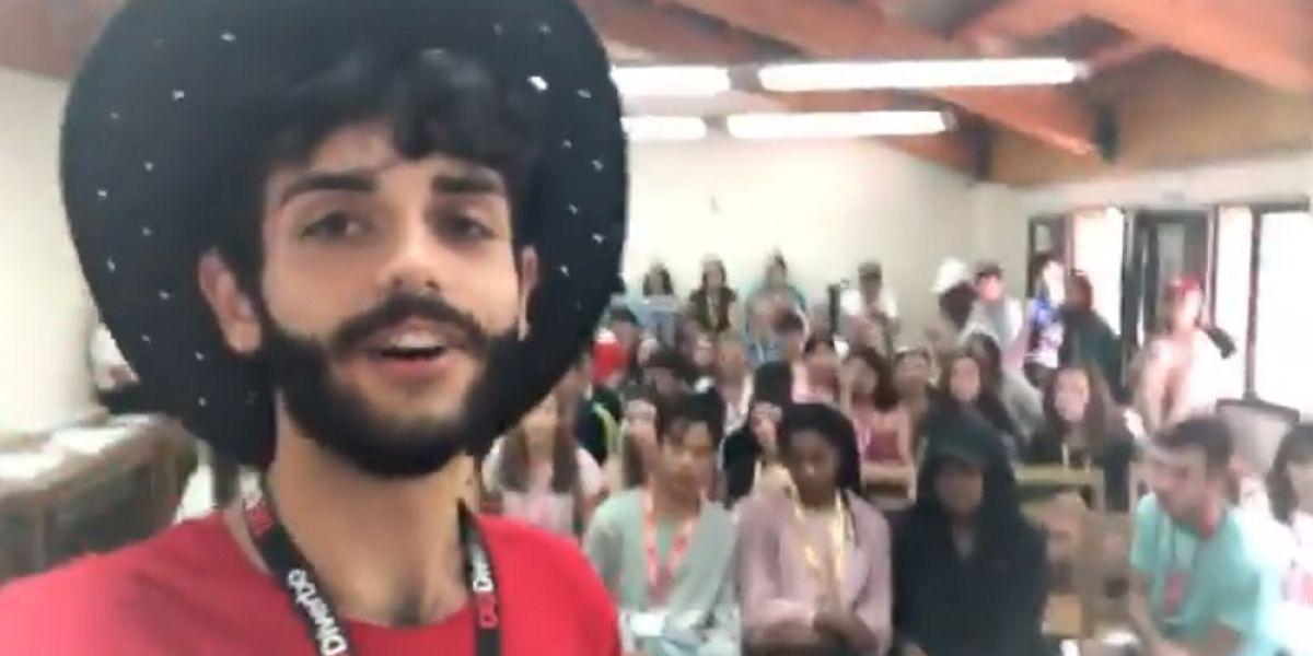 Imagen del profesor que hizo la confesión a sus alumnos en un campamento de verano