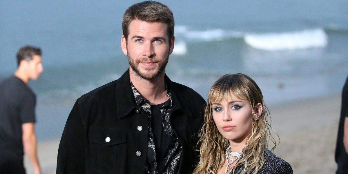 Liam Hermsworth y Miley Cyrus en el SaintLaurent fashion show en Malibu