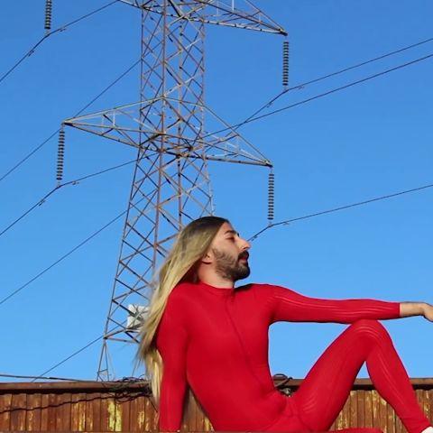 Flooxer | Problemas del primer mundo - La famosa Britney Spears por Bertus