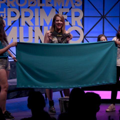 Flooxer | Problemas del primer mundo - Henar Álvarez mea en un cubo