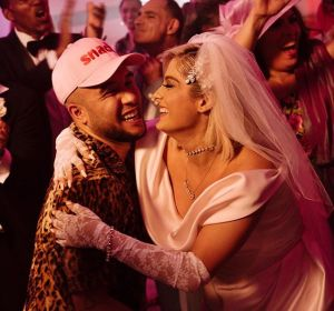Jax Jones y Bebe Rexha en el vídeo de 'Harder'