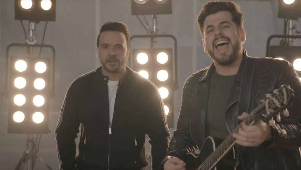 Luis Fonsi y Kurt en el vídeo de '16'