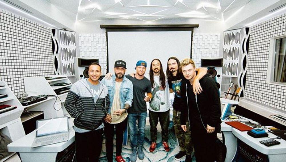 Los Backstreet Boys con Steve Aoki