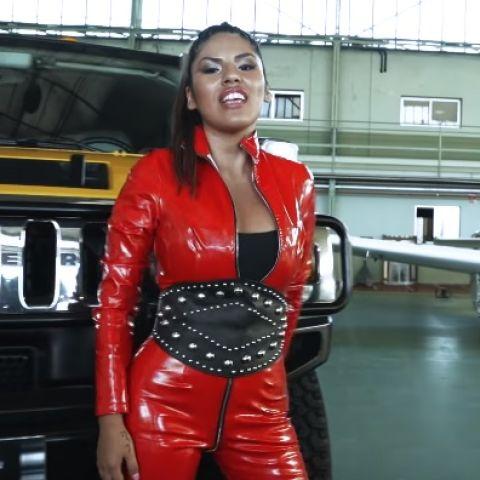 Isa P en su videoclip
