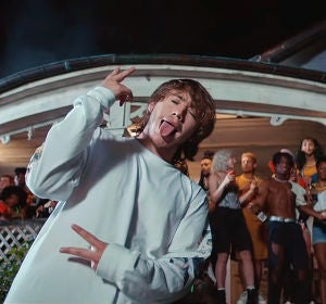 Paulo Londra y A Boogie Wit da Hoodie en el vídeo de 'Party'
