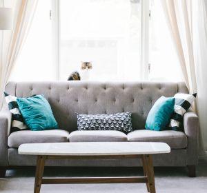 Imagen de archivo de un sofá