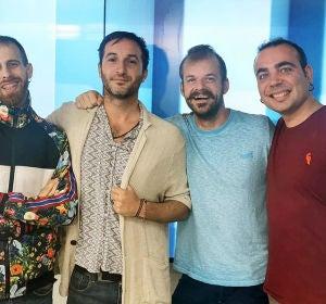 Rubén, Axel, Romain y Sergi de La Pegatina en Europa FM