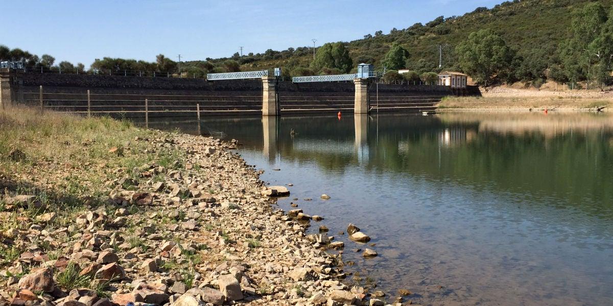El pantano de Gasset comenzará a recibir agua de Torre de Abraham