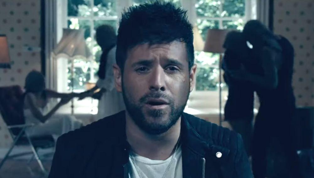 Pablo López en el videoclip de 'Mama No'