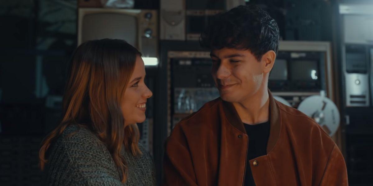 Alfred García y Ana Jara en el videoclip de 'Amar Volar Al Invierno'