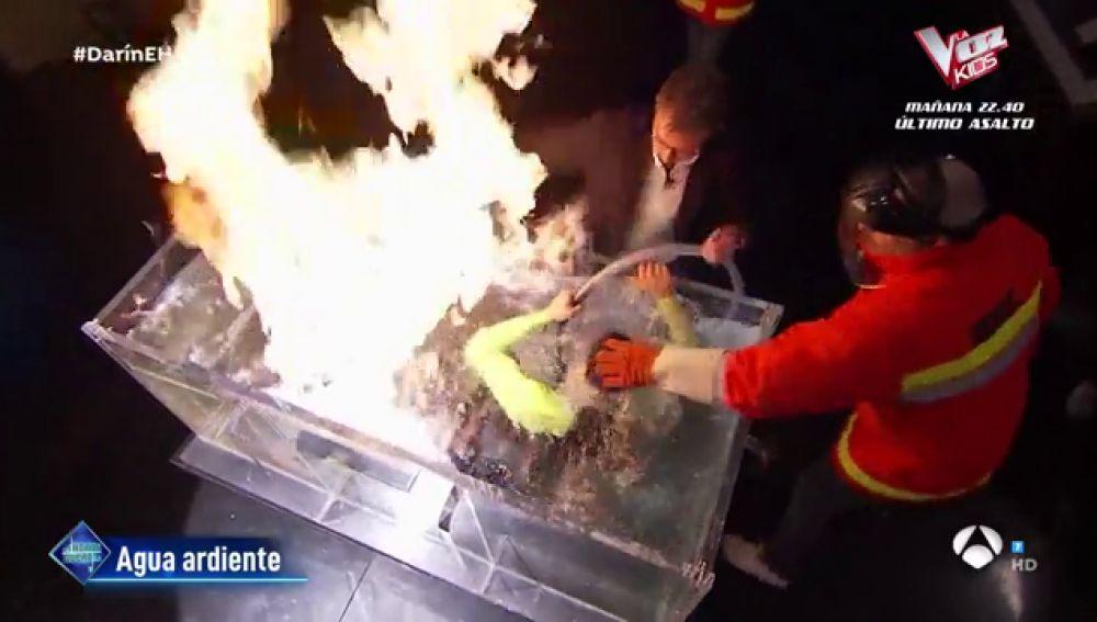 El enorme susto en 'El Hormiguero 3.0' durante el experimento de 'agua ardiente' con Marron