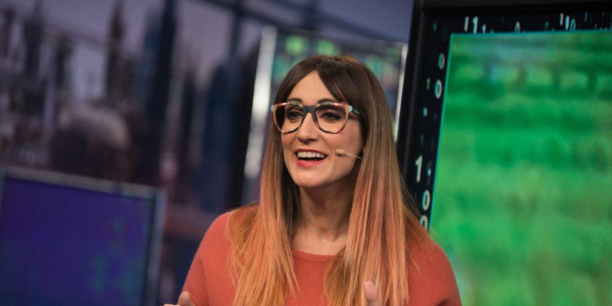 Ana Morgade enseña a Roberto Bautista en 'El Hormiguero 3.0' una clase maestra de hacer bromas