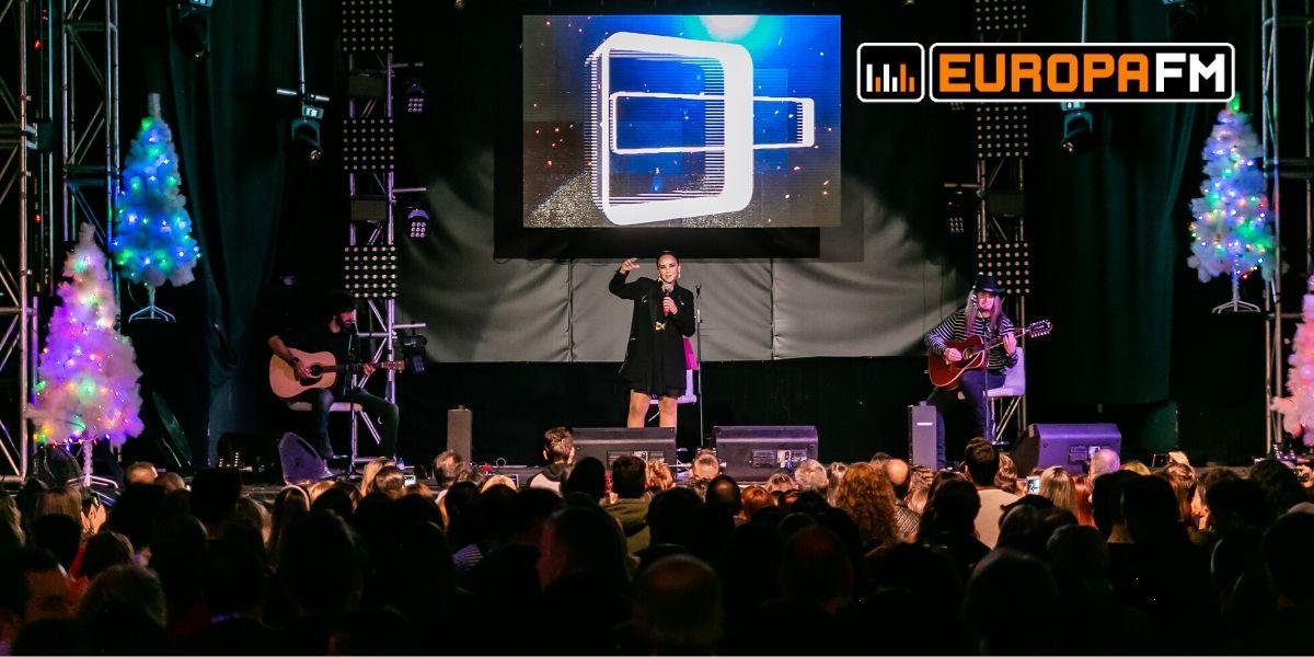 Chenoa durante el showcase acústico con Europa FM en Alicante