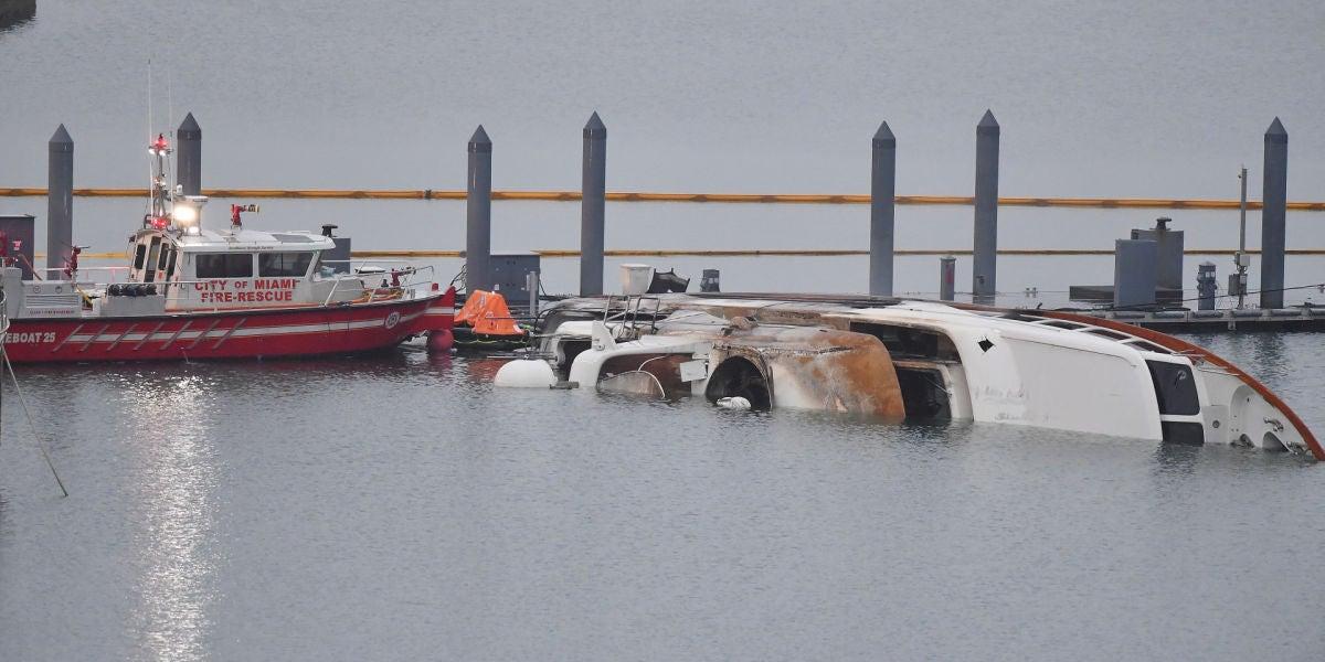 El barco de Marc Anthony tras el incendio