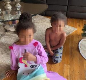 Dos niñas se gastan 700 dólares en juguetes con la tarjeta de su madre