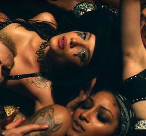 Halsey en el videoclip de 'You should be sad'
