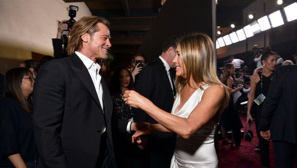 Brad Pitt y Jennifer Aniston durante su reencuentro en los SAG Awards