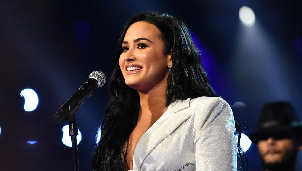 Demi Lovato durante su actuación en los Grammy 2020