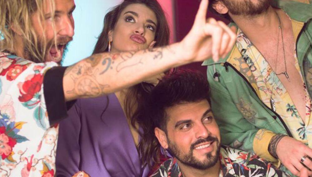 Bombai y Ana Guerra en 'Robarte el corazón'