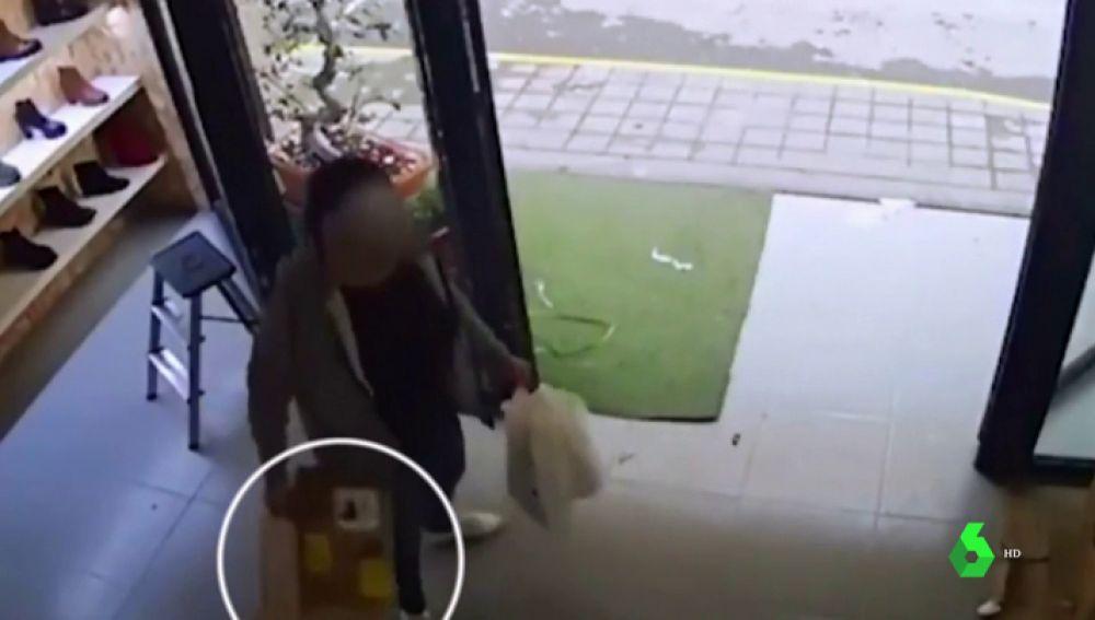 Una mujer roba 40 satisfyer en Alicante
