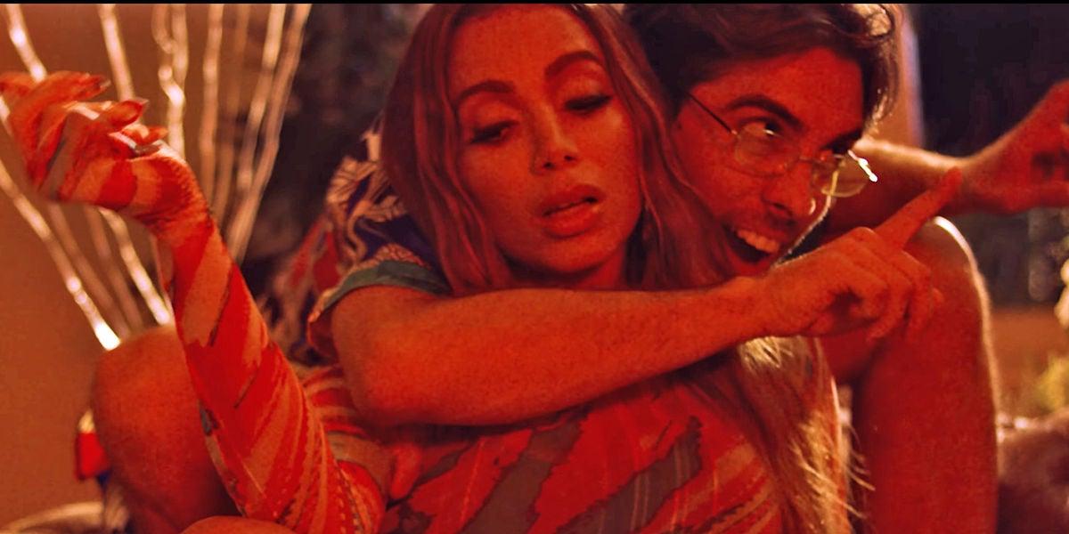 Anitta y Don Patricio en el remix de 'Contando Lunares'