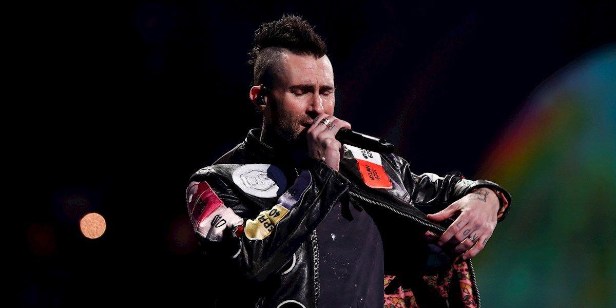 Adam Levine durante la actuación de Maroon 5 en el Festival Viña del Mar