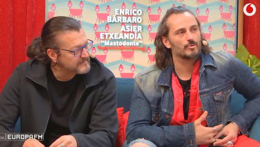 Asier Etxeandía y Enrico Barbaro