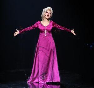 Nerea Rodríguez se adentra 'Into the unknown' como Elsa, de 'Frozen'