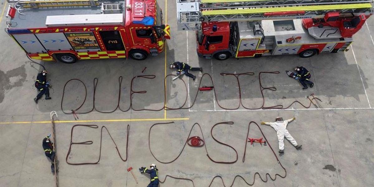 La original forma de los bomberos de Aranjuez para pedir que la gente  se quede encasa