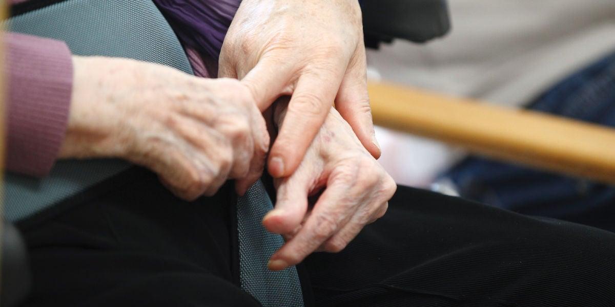 Los mayores de 70 años son el principal grupo de riesgo