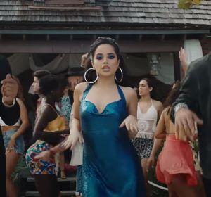 Becky G y Gente de Zona en el videoclip de 'Muchacha'