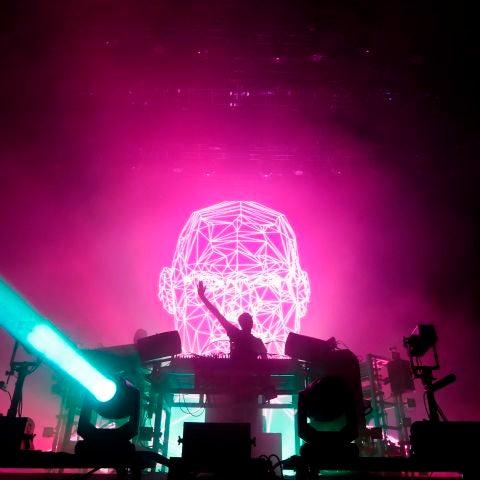 Momento de un concierto de The Chemical Brothers, en el Low festival de Benidorm