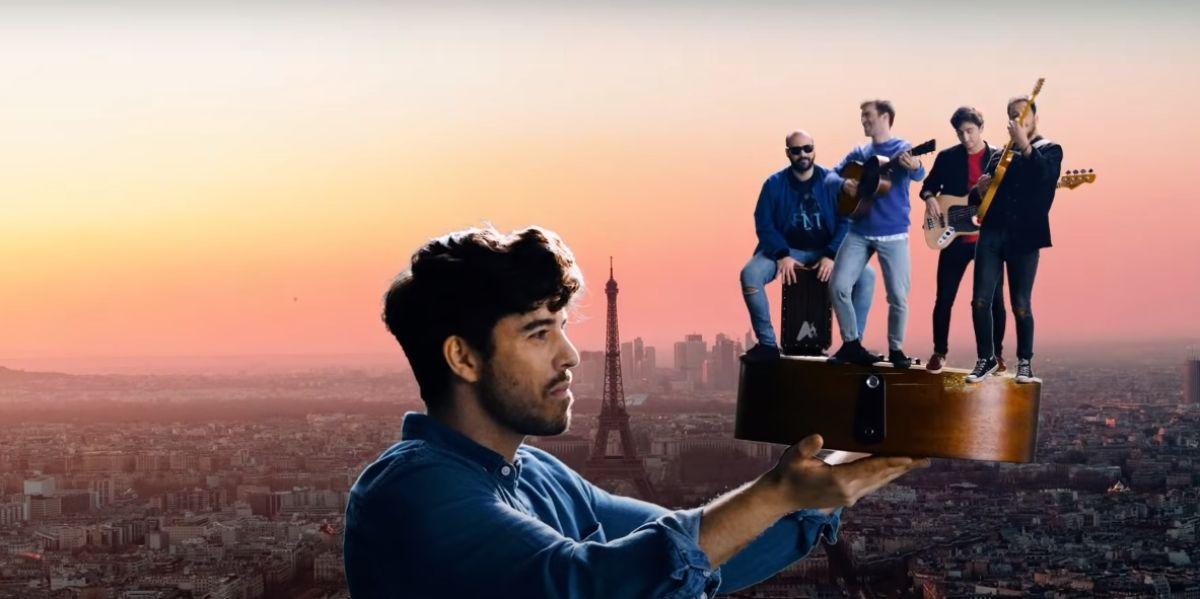 Roi Méndez y Sinsinati en el videoclip de 'Aviones de papel'