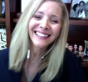 Lisa Kudrow durante su entrevista con Jimmy Kimmel