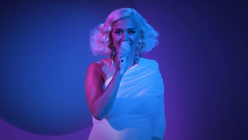 Katy Perry durante su actuación en 'Dear Class of 2020'