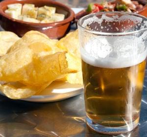 Cerveza y aperitivos