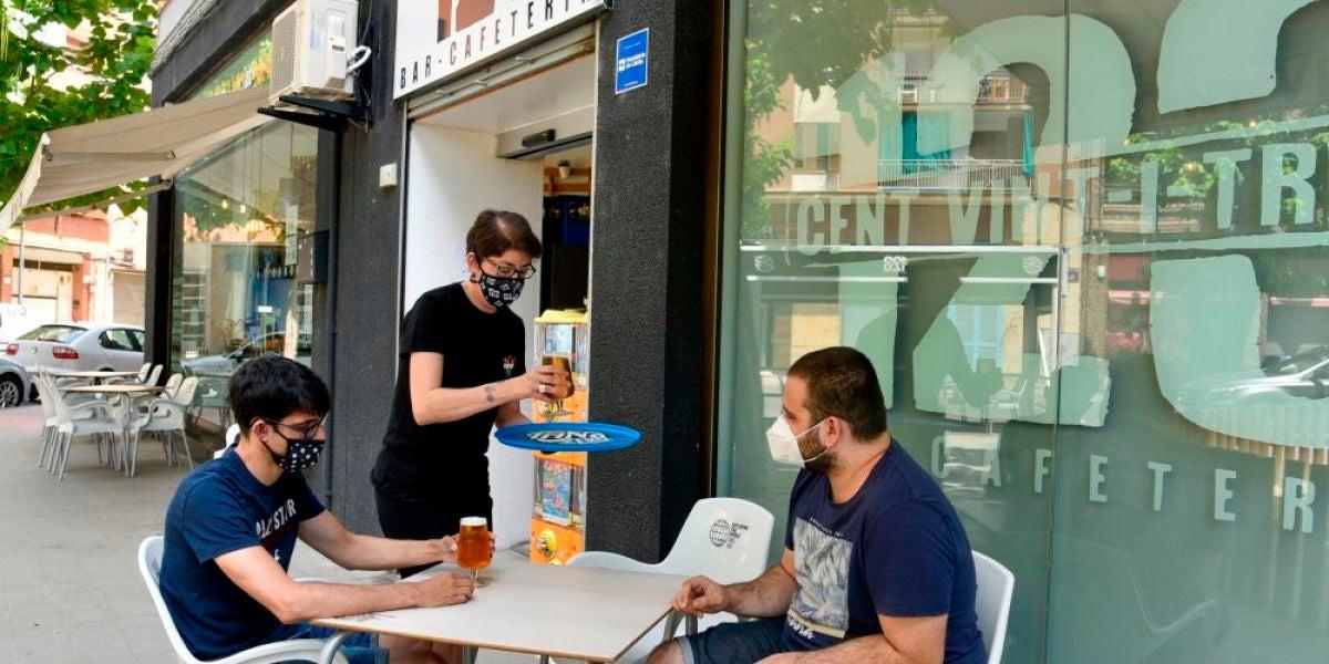 A3 Noticias Fin de Semana (25-07-20) Los bares, restaurantes y zonas de ocio nocturno de 70 municipios de Cataluña permanecerán cerrados durante 15 días