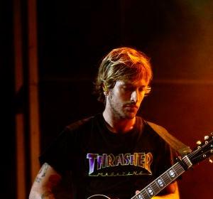 Adrián Roma, vocalista de Marlon, durante su concierto en Starlite Marbella