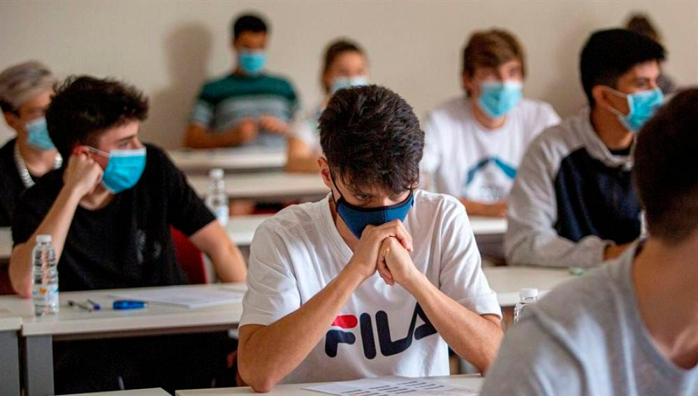 Las universidades deberán definir un espacio para el aislamiento de la persona detectada como caso sospechoso