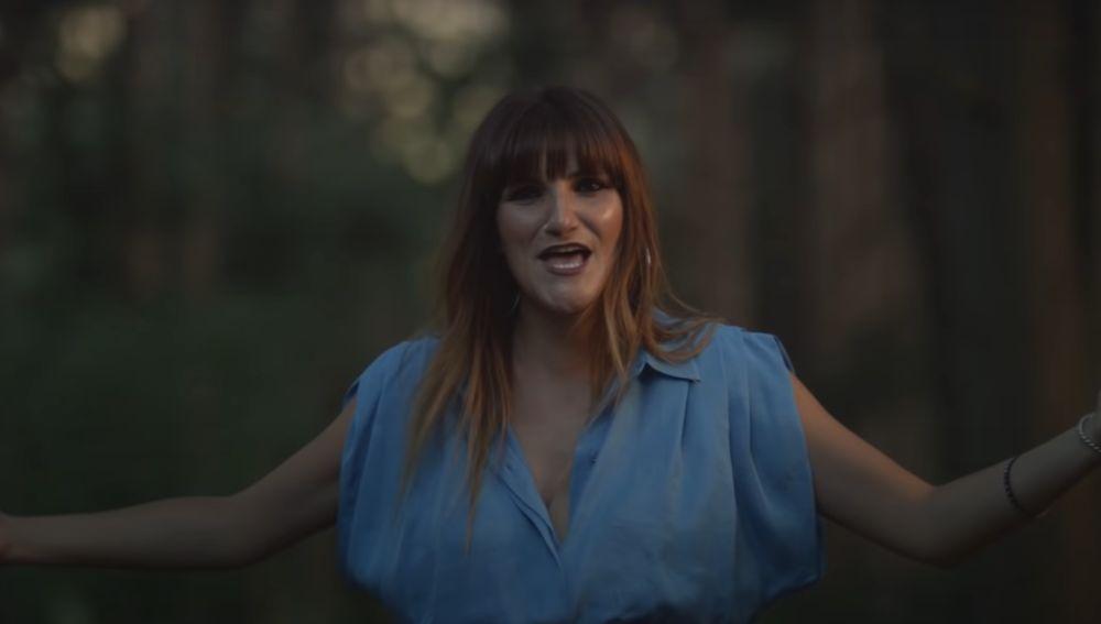 Rozalén en el videoclip de 'Y Busqué'