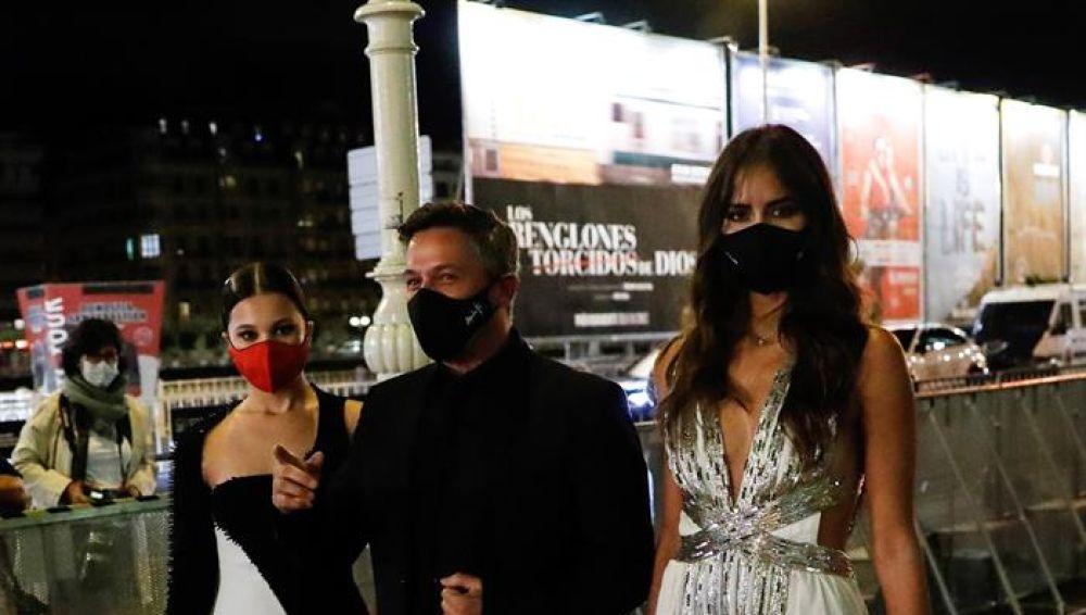 Manuela Sanz, Alejandro Sanz y Rachel Valdés en el Festival de Cine de San Sebastián