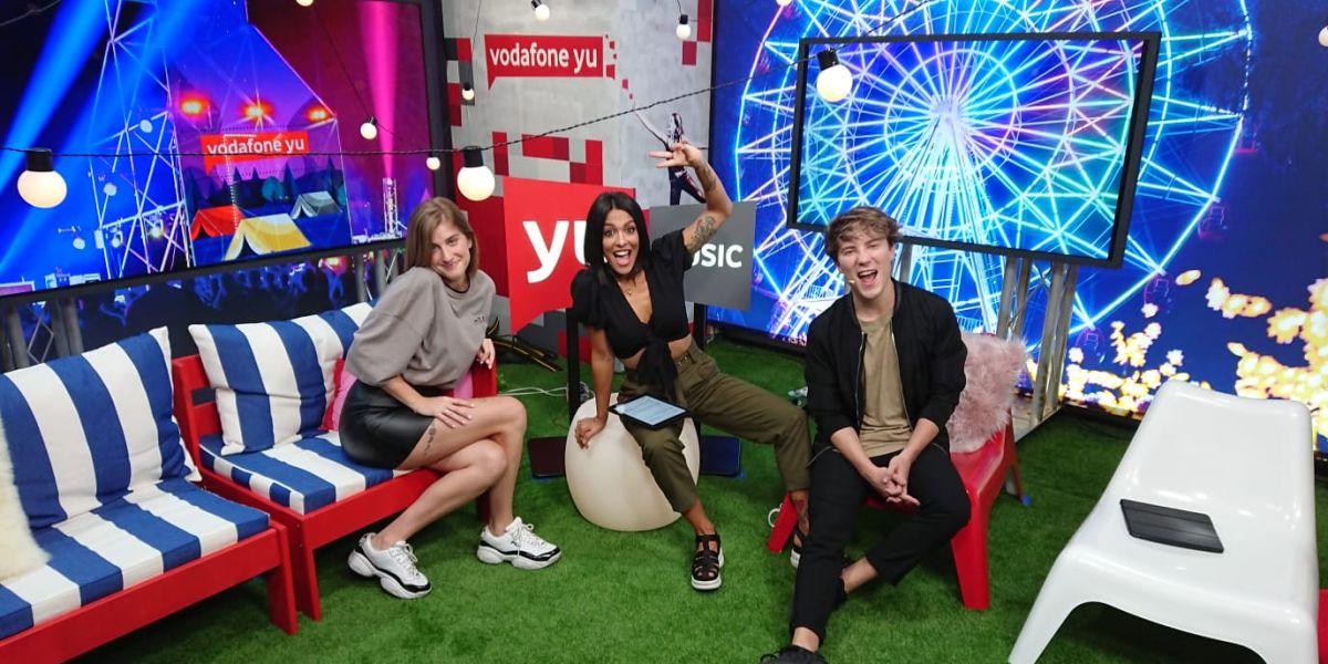 Samantha en 'yuMusic' con Lorena Castell y Carlos Marco