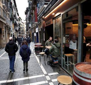 Coronavirus España: Estado de alarma y confinamiento en Madrid, cierre de bares y restaurantes en Cataluña y última hora de la Covid-19