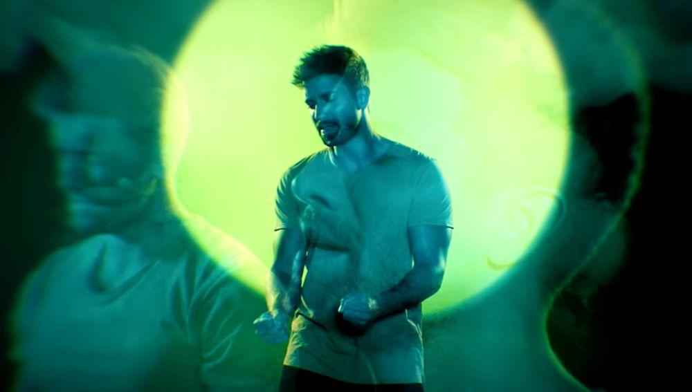 Pablo Alborán en el 'lyric video' de 'Hablemos de amor'
