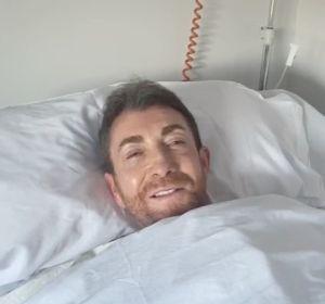 Pablo Motos desde el hospital, tras una operación en el hombro
