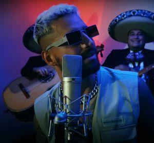 Maluma en el videoclip de '100 Años', su colaboración con Carlos Rivera