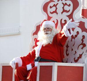 Papá Noel, durante una visita en Rota